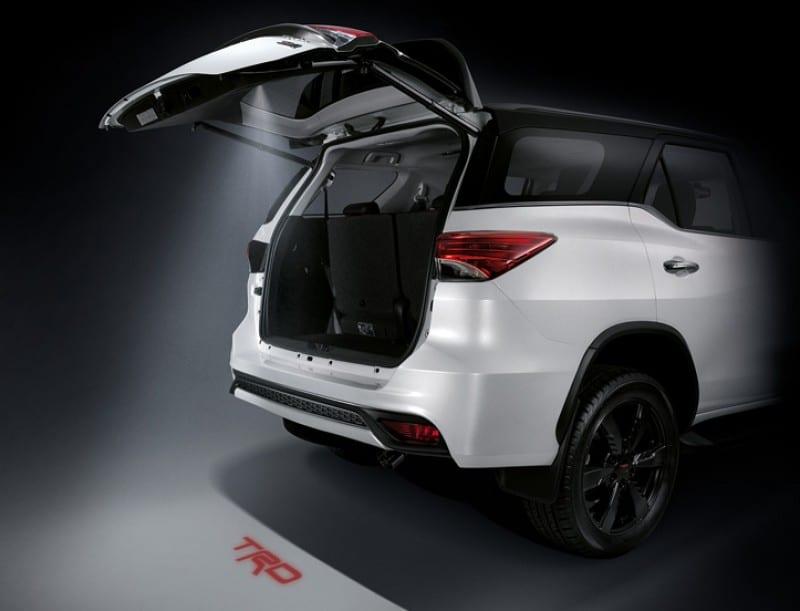 Có nên chọn Toyota Fortuner 2017 TRD Sportivo sử dụng cho gia đình?